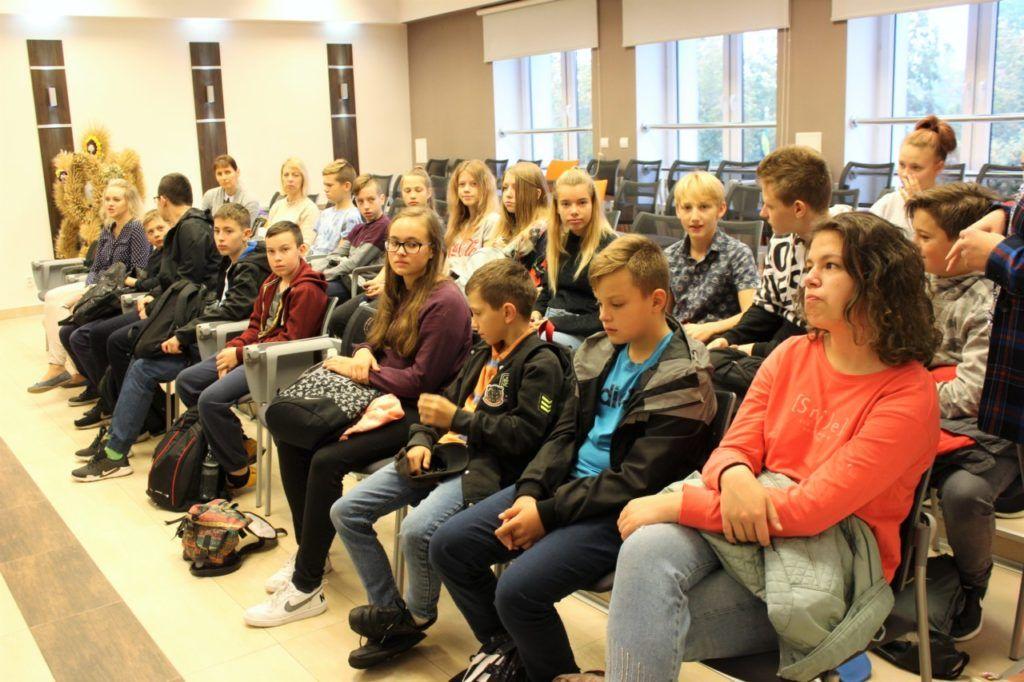 foto: Młodzież z Jekabpils z wizytą w UM - IMG 8135 1 1024x682