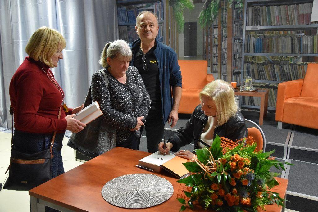 foto: Spotkanie autorskie Anny Lisieckiej w MBP - 16 1024x683