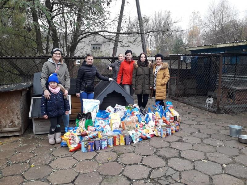 foto: Przedszkolaki zbierające karmę - 67830