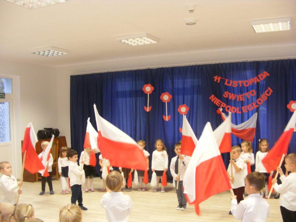 foto: Święto Niepodległości w Przedszkolu nr 3 - DSCF1133 1024x768
