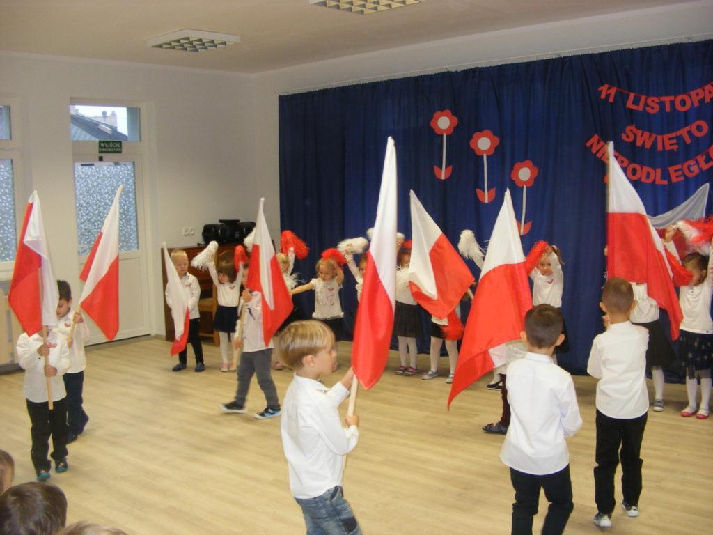 foto: Święto Niepodległości w Przedszkolu nr 3 - DSCF1134 1024x768
