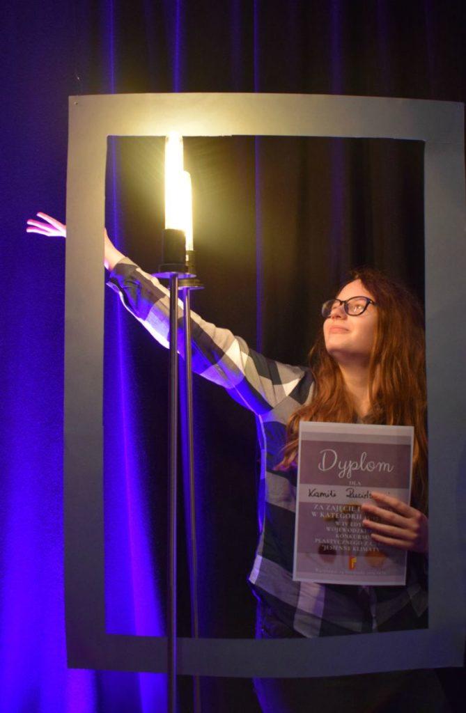 foto: Potrójne zwycięstwo młodych adeptek sztuki z Pracowni plastycznej SOK! - DSC 0097 kopia 669x1024
