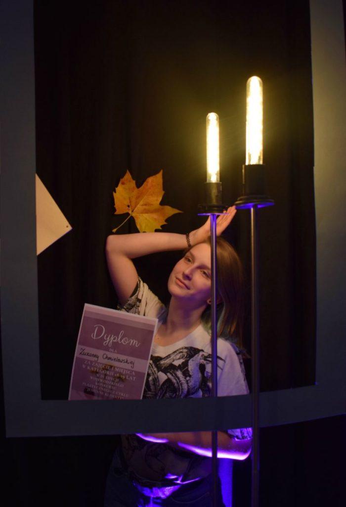 foto: Potrójne zwycięstwo młodych adeptek sztuki z Pracowni plastycznej SOK! - DSC 0099 kopia 700x1024