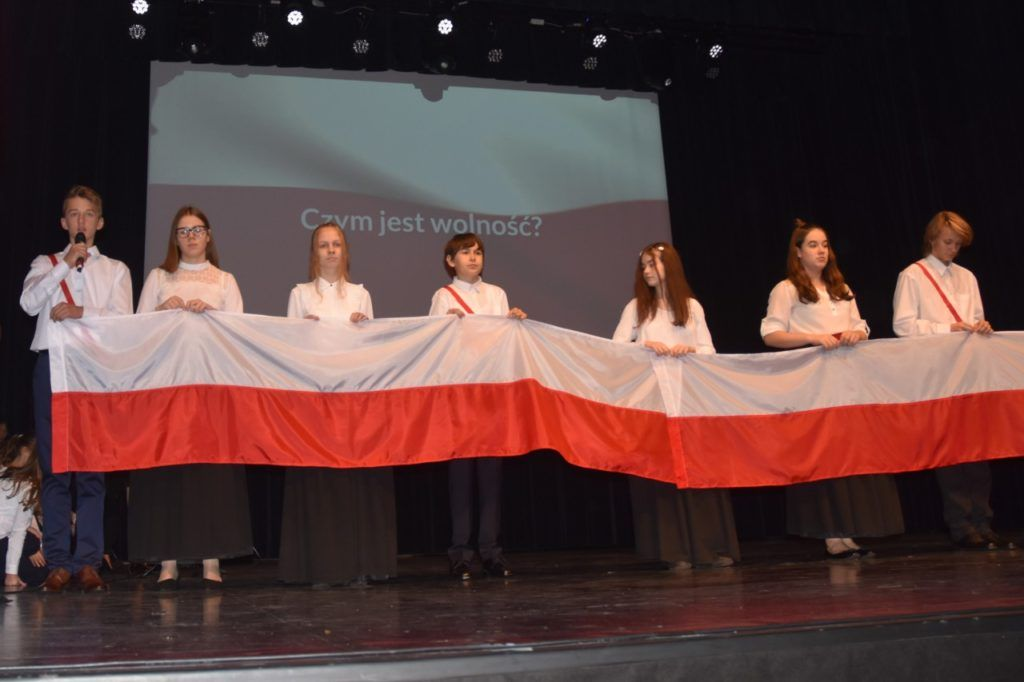 foto: Narodowe Święto Niepodległości w Publicznej Szkole Podstawowej nr 2 - 16 1024x682