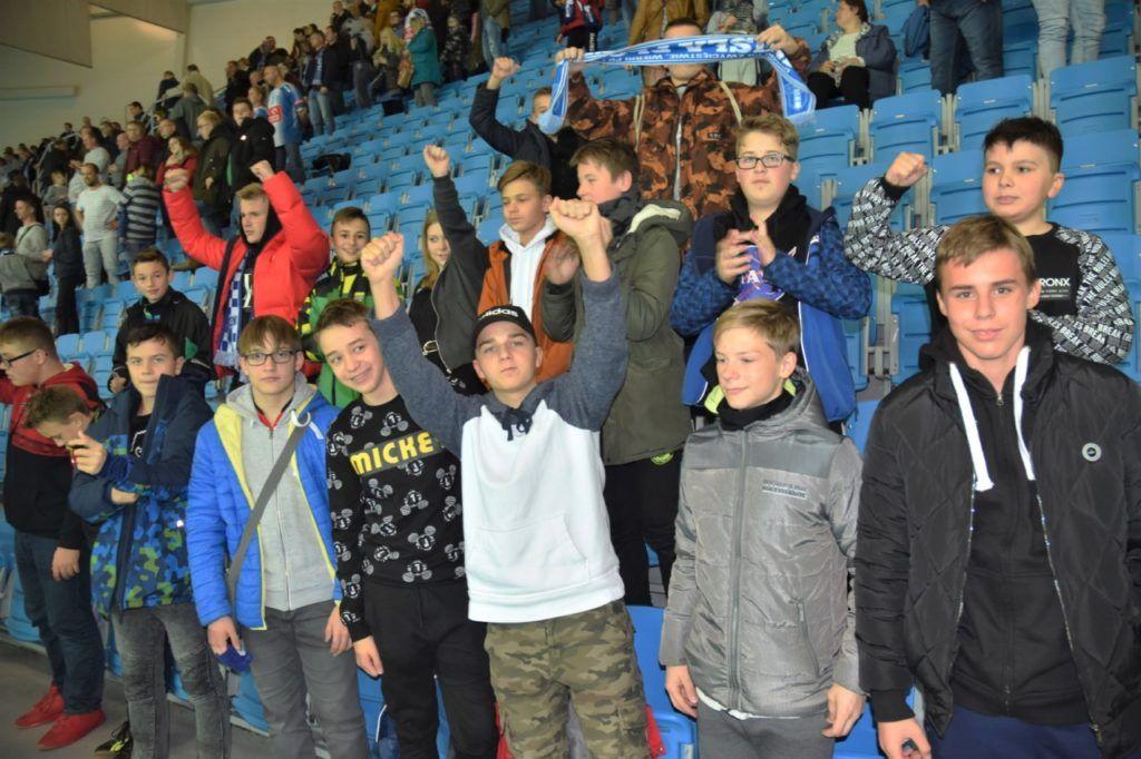 """foto: Szkolny klub kibica z """"Dwójki"""" na Lidze Mistrzów w Płocku - 8 3 1024x682"""
