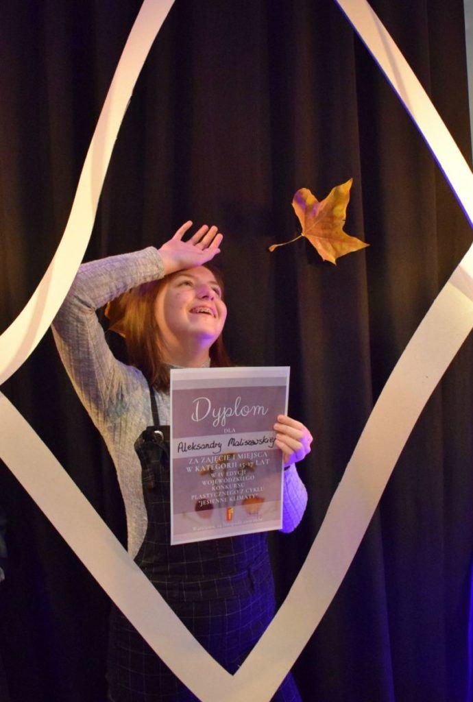 foto: Potrójne zwycięstwo młodych adeptek sztuki z Pracowni plastycznej SOK! - DSC 0098 690x1024