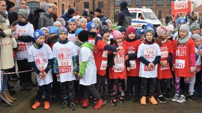 Uczniowie podczas Biegu Niepodległości