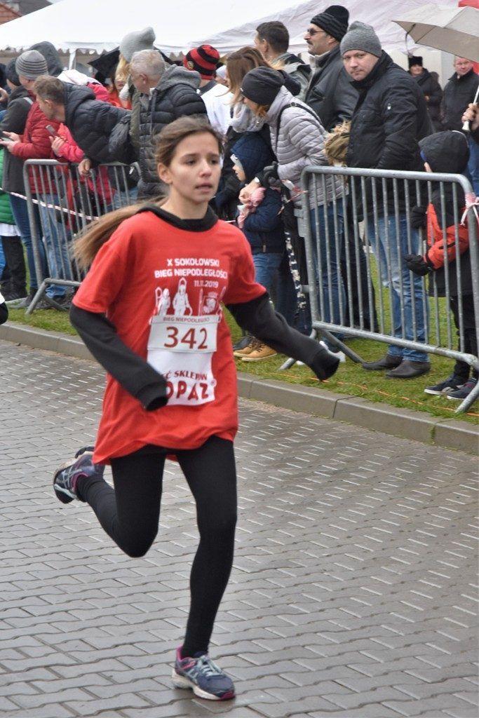 """foto: Drugi rok z rzędu 100 młodych biegaczy z """" Dwójki"""" w Biegu Niepodległości - DSC 5229 683x1024"""
