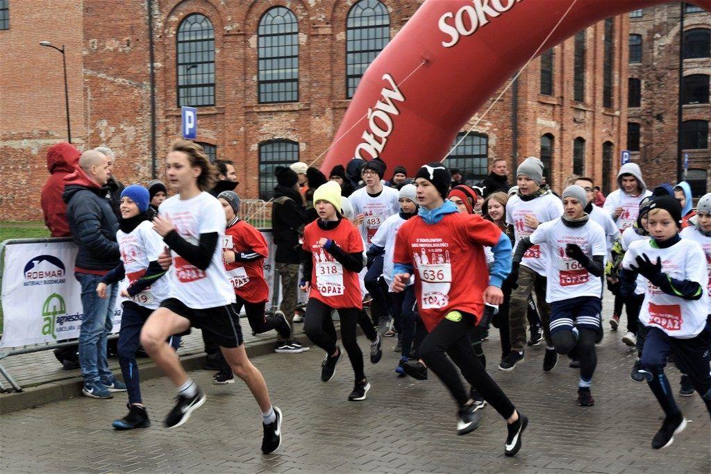 """foto: Drugi rok z rzędu 100 młodych biegaczy z """" Dwójki"""" w Biegu Niepodległości - DSC 5236 1024x683"""
