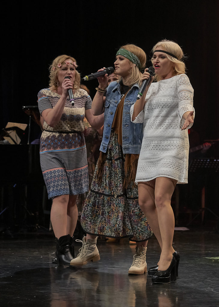 foto: Ach ten Broadway w wykonaniu Voci Cantati - DSC9142 730x1024