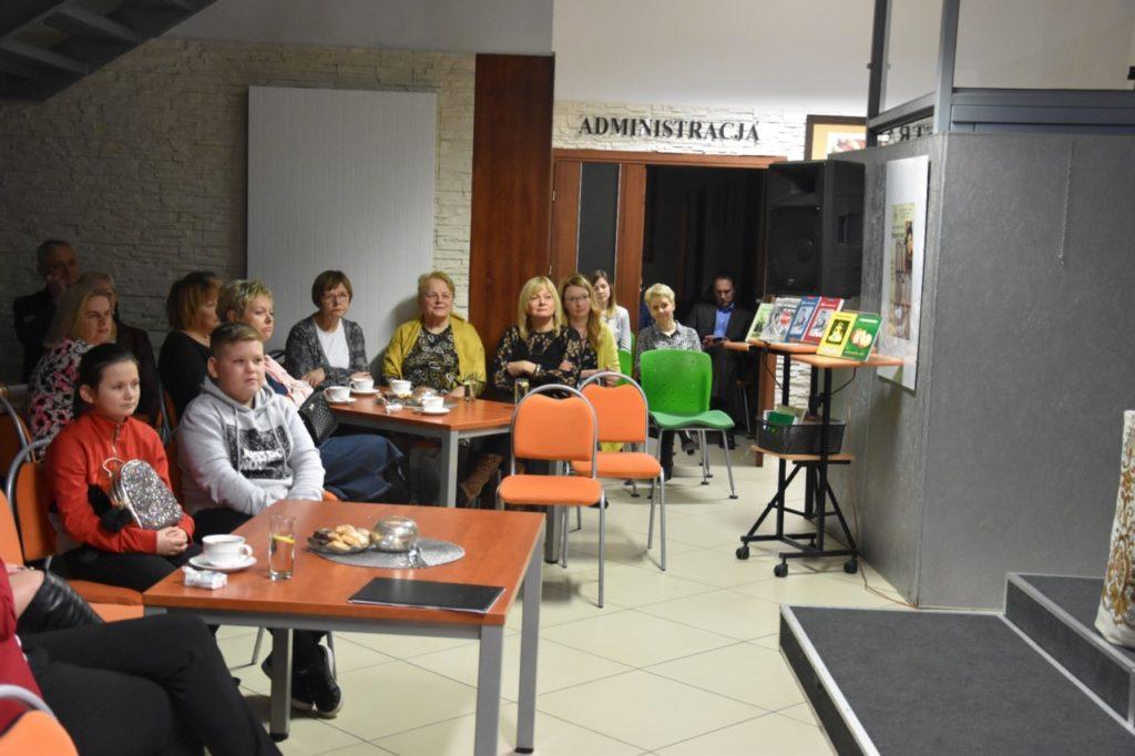 foto: Spotkanie z twórczością Wiesławy Kwiek w MBP - 6 1024x682