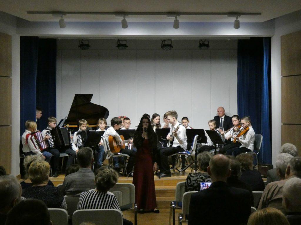 foto: Koncert Świąteczno- Noworoczny w Szkole Muzycznej I St. w Sokołowie Podlaskim - P1020825 1024x768
