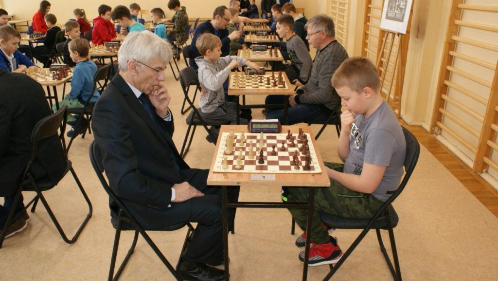 foto: VI Turniej Szachowy Pamięci Żołnierzy Niezłomnych - DSC00052 1024x577