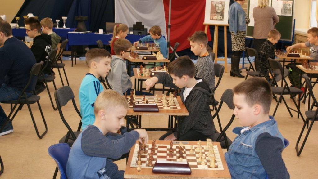 foto: VI Turniej Szachowy Pamięci Żołnierzy Niezłomnych - DSC00098 1024x577
