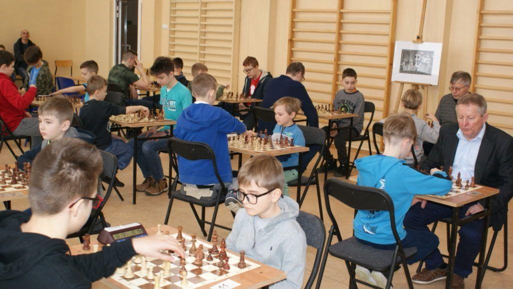 foto: VI Turniej Szachowy Pamięci Żołnierzy Niezłomnych - DSC00055 1024x577