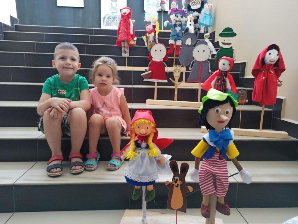 """foto: Wystawa """"Teatr dla każdego – bajkowe kukiełki, pacynki i marionetki"""" - 108602440 2788631581367216 1632697910523197513 n 1024x769"""