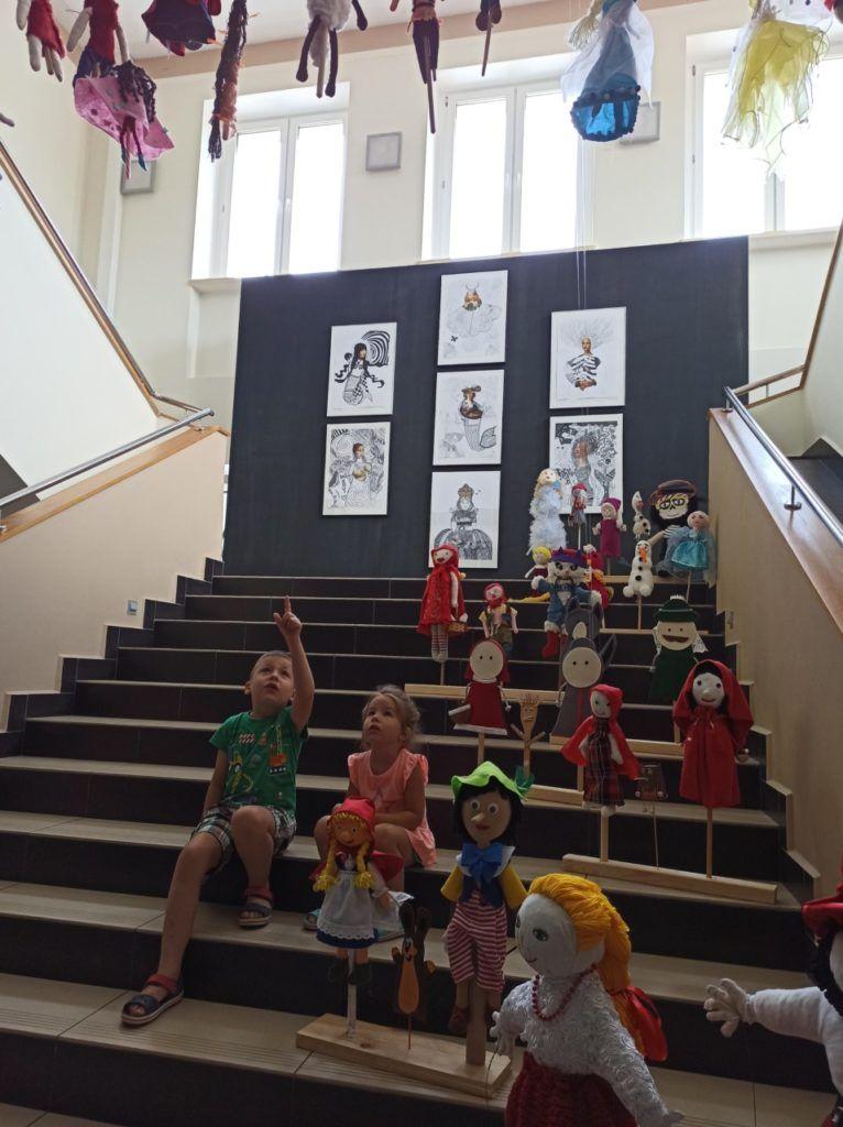 """foto: Wystawa """"Teatr dla każdego – bajkowe kukiełki, pacynki i marionetki"""" - 110167939 1673913956106724 7071783767194821437 n 766x1024"""
