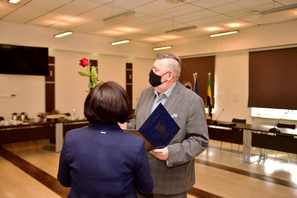 foto: Rozdanie Nagród Burmistrza z okazji Dnia Edukacji Narodowej - DSC 9607 1024x683
