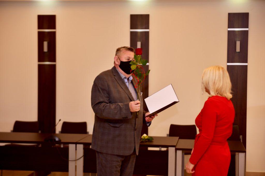 foto: Rozdanie Nagród Burmistrza z okazji Dnia Edukacji Narodowej - DSC 9618 1024x683
