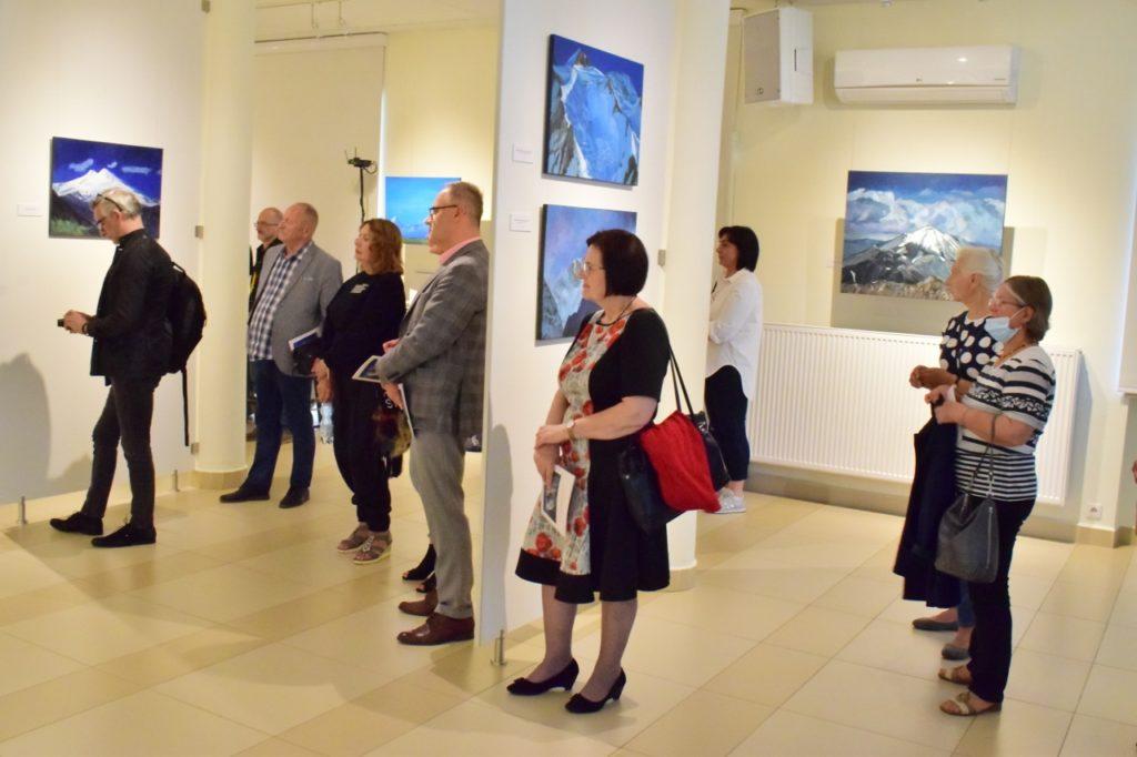 """foto: """"Wybrałem góry"""" - wystawa Ryszarda Kowalewskiego w Galerii DOM - DSC 0044 1280x853 2 1024x682"""