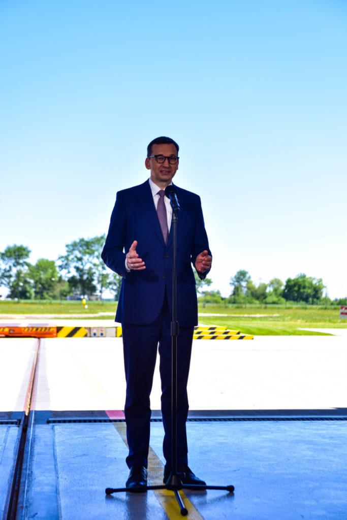 foto: Premier Mateusz Morawiecki odwiedził sokołowską bazę HEMS - DSC 0937 683x1024