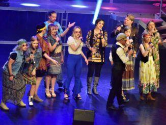 zdjęcie przedstawiające grupę Voci Cantati na scenie