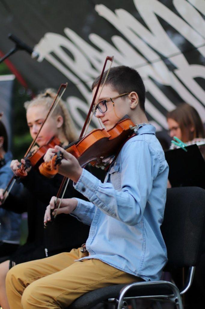foto: Młodzi artyści na Trawniku Coolturalnym SOK - 22 853x1280 1 rotated 682x1024