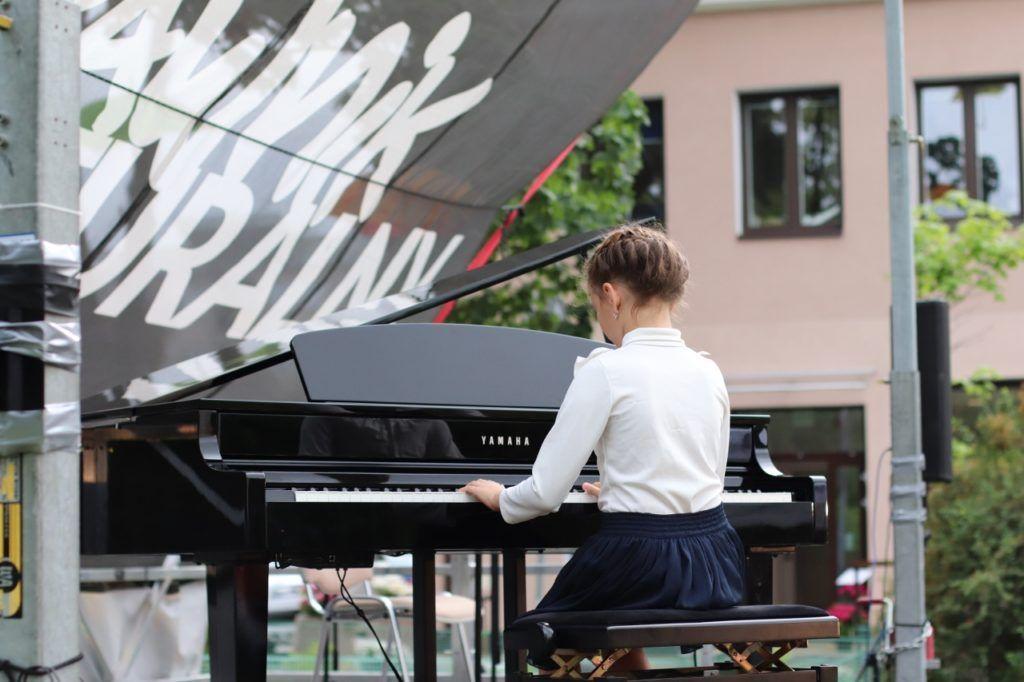 foto: Młodzi artyści na Trawniku Coolturalnym SOK - 46 1280x853 1 1024x682