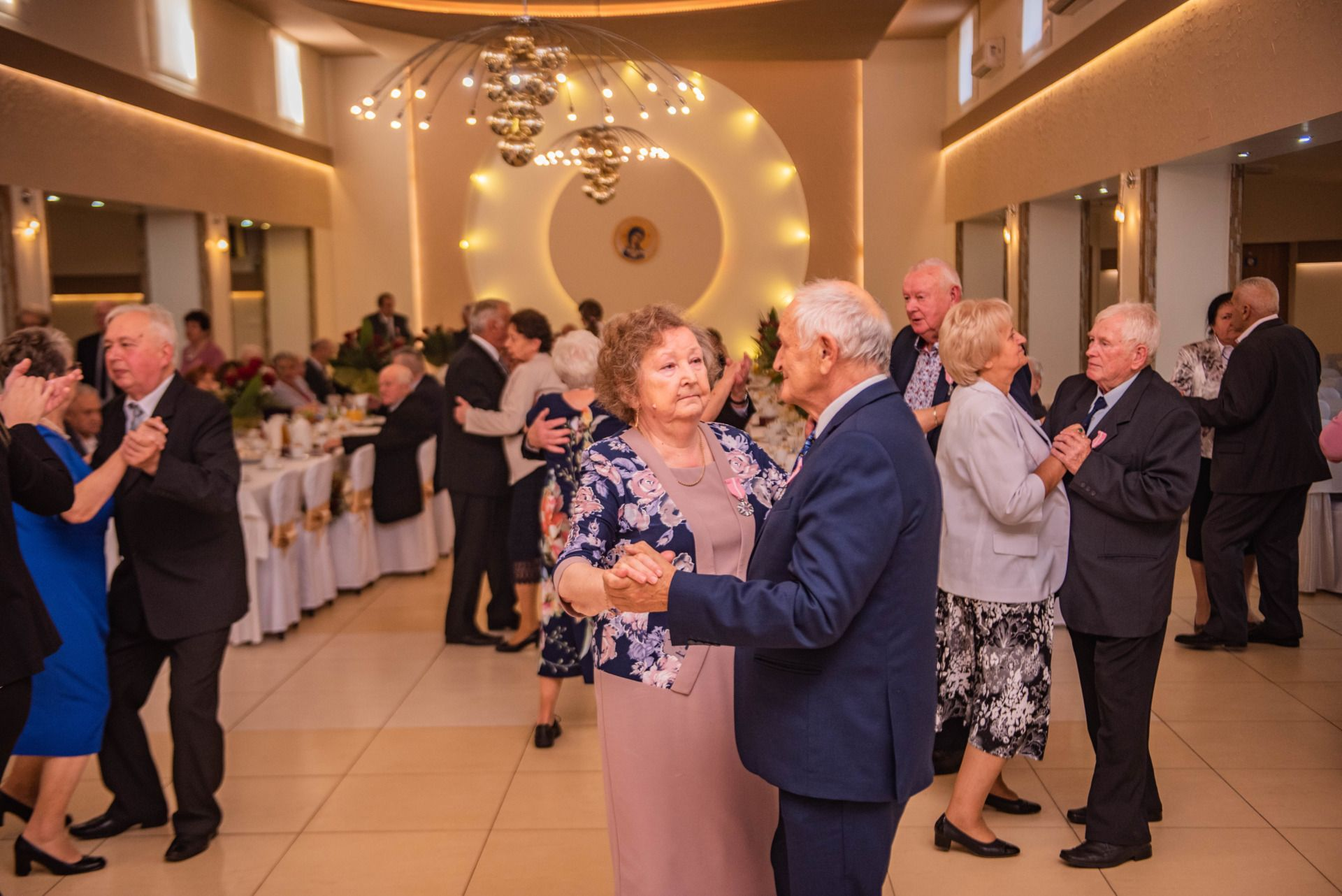 tańczące pary